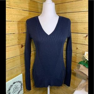 Abercrombie & Fitch Long Sleeve V-Neck Sweater